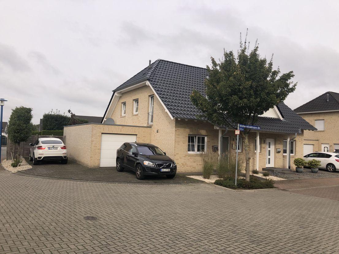 Walter Hovelmannstrasse 1, 46446 Elten-Emmerich