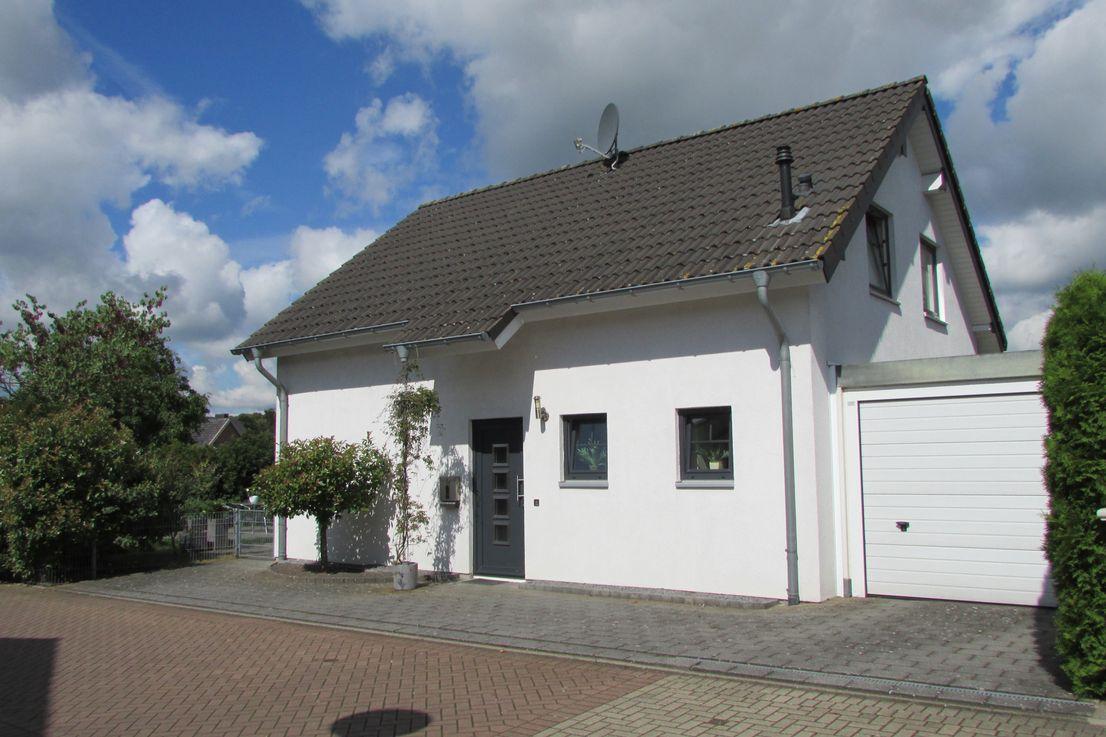 Pfarrer-Otto-Reinhardstrasse 2, 46446 Elten-Emmerich